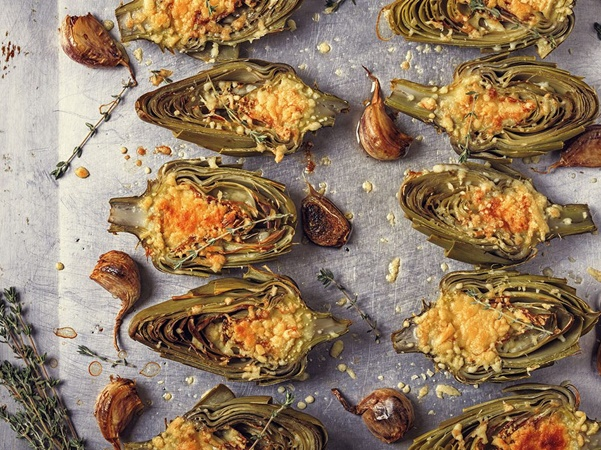 Baked artichokes with extra virgin olive oil